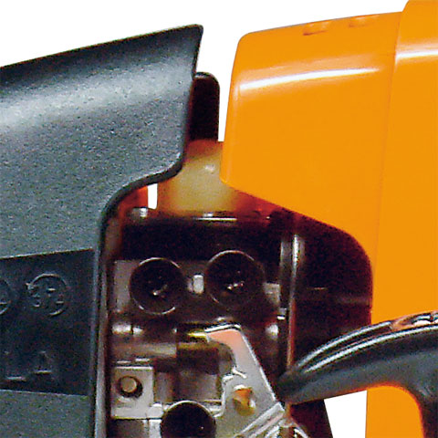 Pompă manuală de combustibil
