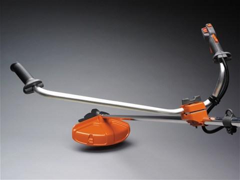 Tijă curbată, extra lungă cu ergonomie îmbunătăţită pentru o rază de acţiune mai mare.